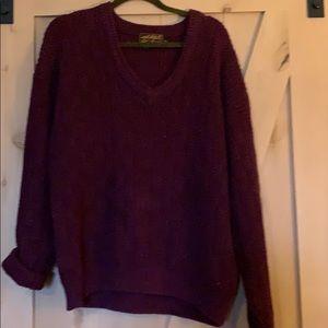 Men's v-neck Eddie Bauer sweater size xl